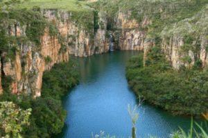 lago-de-furnas-canyons-8